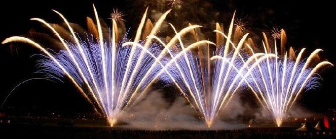 Die Krönung aller Schiffstouren ist ein Feuerwerk!